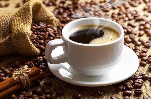 Kopi tubruk merupakan kopi hitam yang paling sederhana. Kopi tubruk ini awalnya berasal dari daerah Jawa dan Bali.