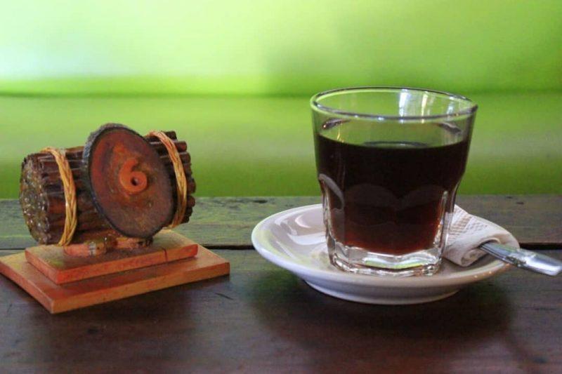 Di saat bulan Ramadhan tiba, waktu ngopi pastinya berubah. Mengkonsumsi kopi di bulan Ramadhan tidak boleh sembarangan. lalu amankah mengkonsumsi kopi saat sahur?
