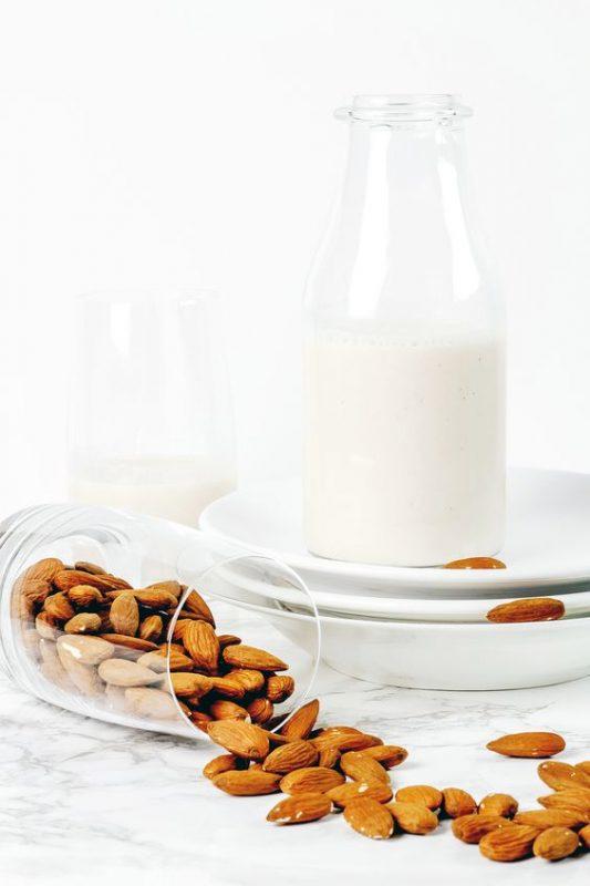 Kopi Susu Almond Kurma cocok bagi anda yang sedang menjaga kesehatan, karena minuman ini bebas dari kandungan gluten.